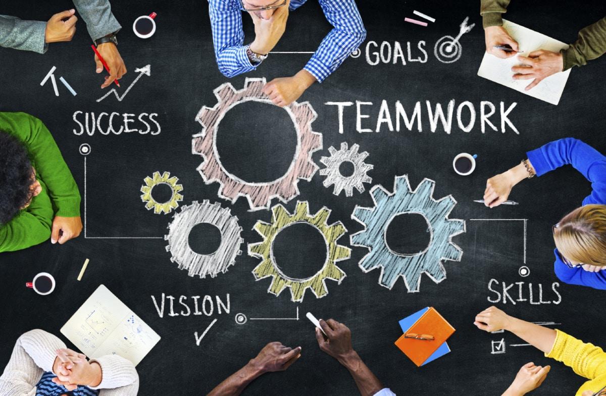 Doanh nghiệp hãy xây dựng cho riêng mình một team SEO vững mạnh